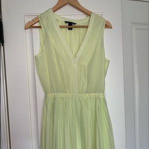 Victoria's Secret sz.small pleated dress